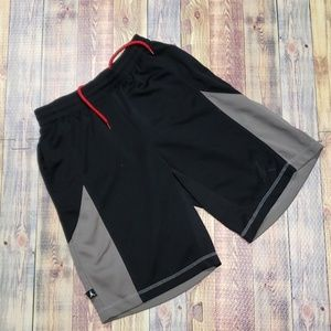 JORDAN/NIKE DRI FIT YOUTH BASKETBALL SHORTS SIZE M
